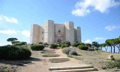 I 5 castelli più belli in… Puglia