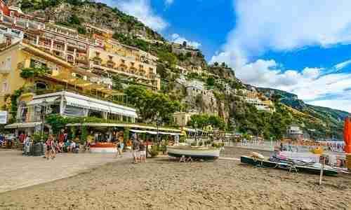 Vacanze a piedi nudi: i migliori Beach Hotel d'Italia