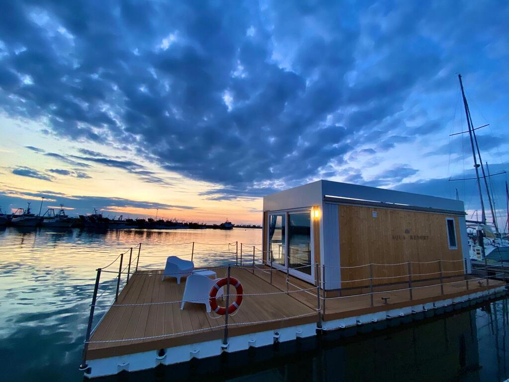 Houseboat Giulianova Abruzzo